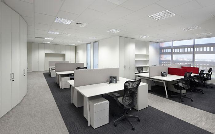 Progettazione ristrutturazione e arredamento per l 39 ufficio for Dau srl design arredo ufficio