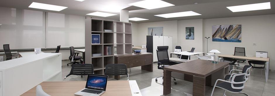 Progettazione ristrutturazione e arredamento per l 39 ufficio for Arredamenti ufficio on line